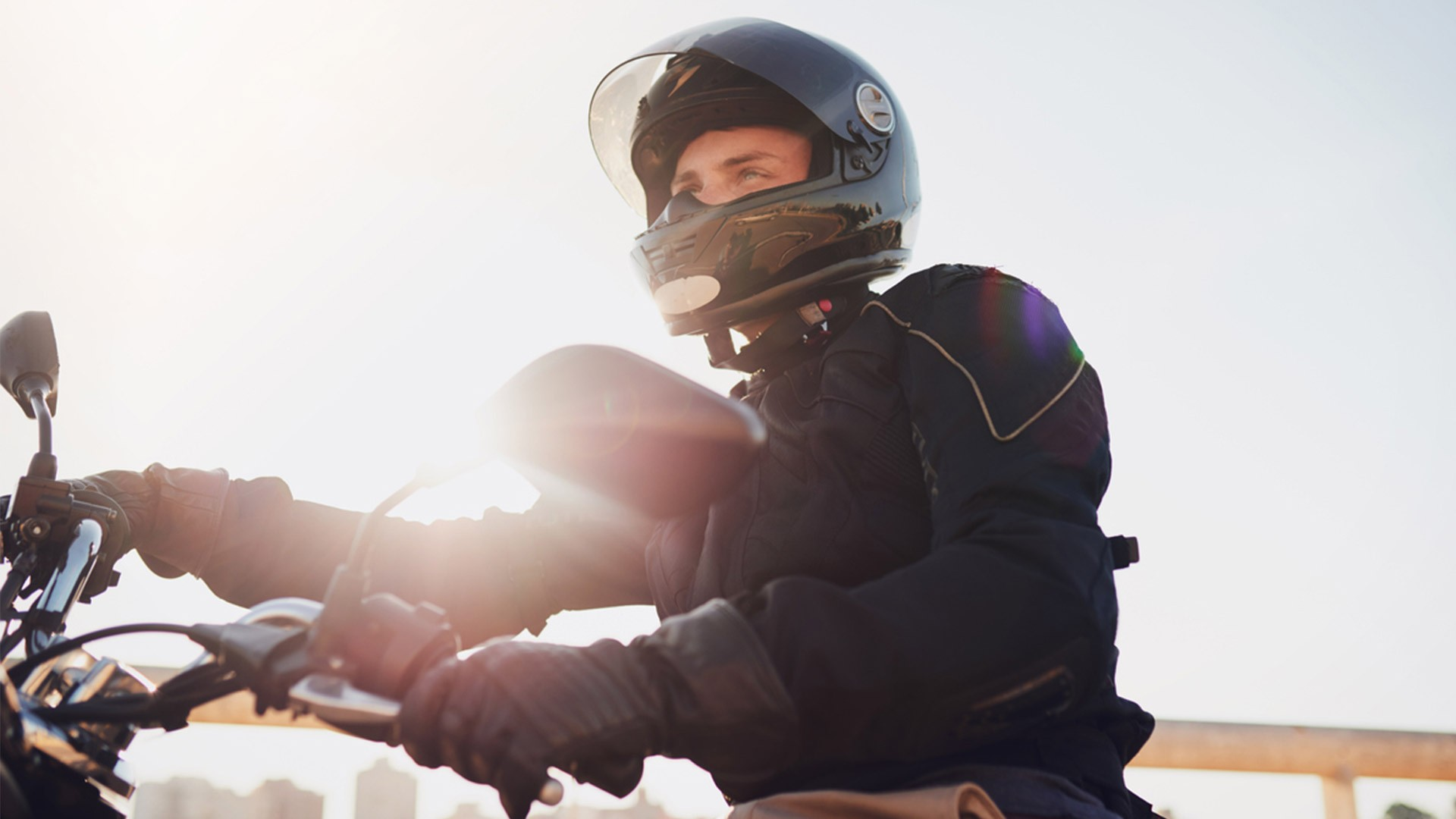 ¿Cómo andar en moto de forma segura?