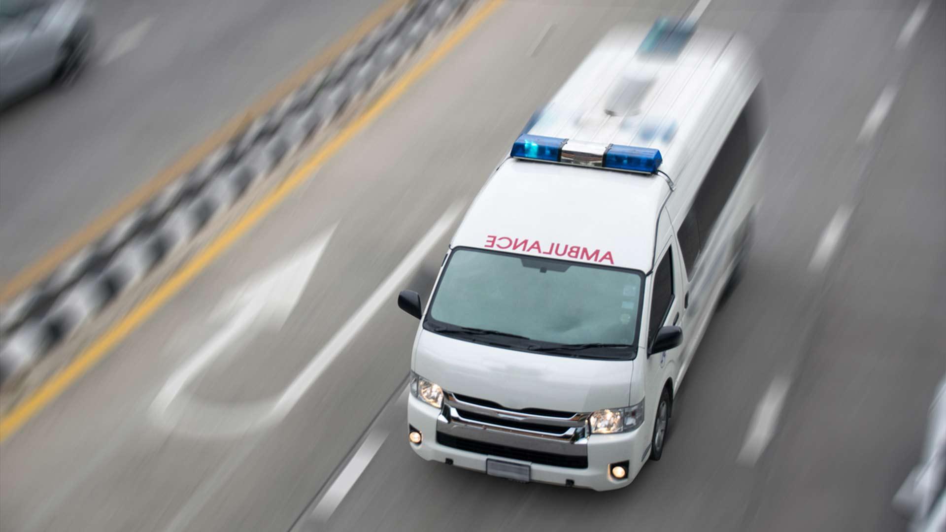 ¿Qué hacer cuando se acercan vehículos de emergencia?
