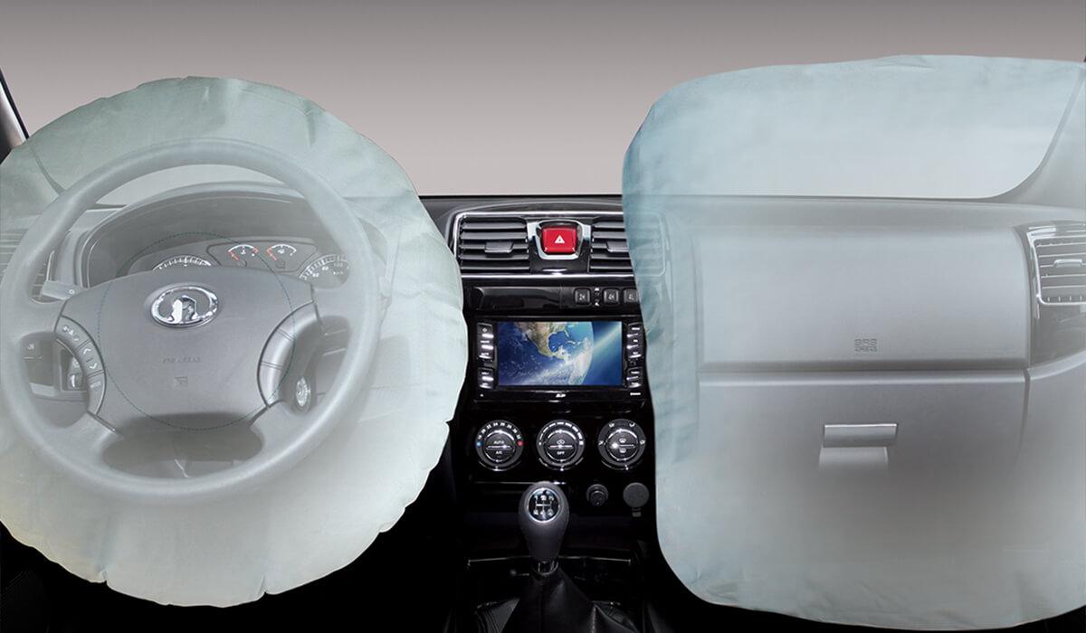 No hay nada más importante que los pasajeros que van contigo, por eso, el Voleex C30 cuenta con doble airbag para hacer mucho más seguro el viaje.
